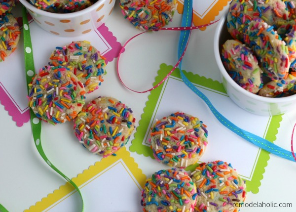 From Scratch Homemade Funfetti Rainbow Sprinkle Cookies #remodelaholic