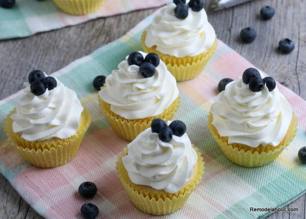 Fresh Lemon Cupcake Recipe, Remodelaholic (3)