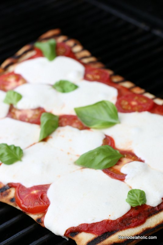 How To Make Grilled Pizza, Remodelaholic (1)