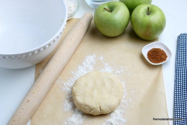 How To Make Homemade Apple Crostata, Simple Apple Pie, Remodelaholic (7)