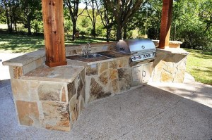 Flagstone outdoor kitchen