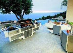 Viking custom outdoor kitchen