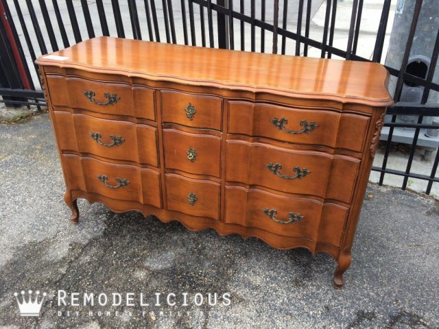 French Provincial dresser make-over. Pretty, subtle purple with silver leaf + paint sprayer GIVEAWAY! | Remodelicious