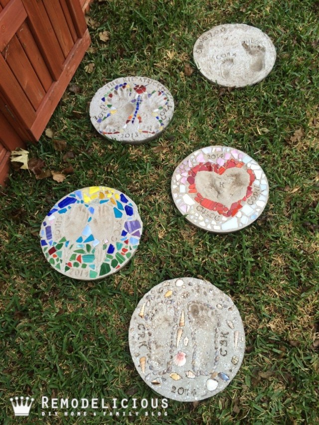 Beach-themed sea shell & sand DIY garden stepping stone art craft + other stepping stone ideas. | Remodelicious
