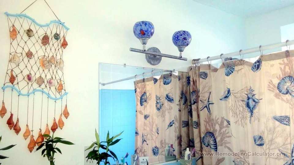 Small Bathroom Decor - Seashell Theme