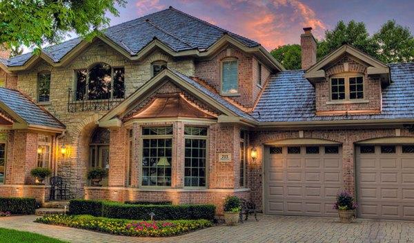 Cedar wood Shingles roof on a stone house