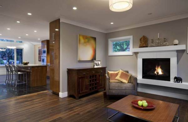 Drywall crown molding in a modern room