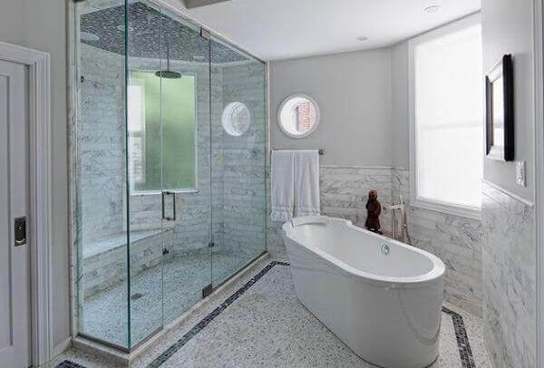 Tile walls in a steam shower