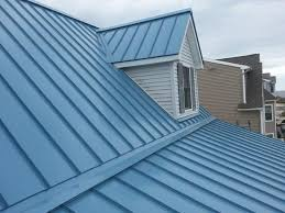 standing-seam-metal-roof-with-level-changes