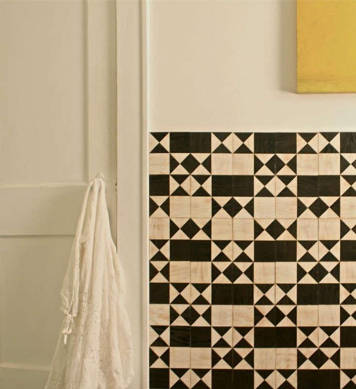 Moonish-Co-marine-ply-wall-tiles-1-Remodelita