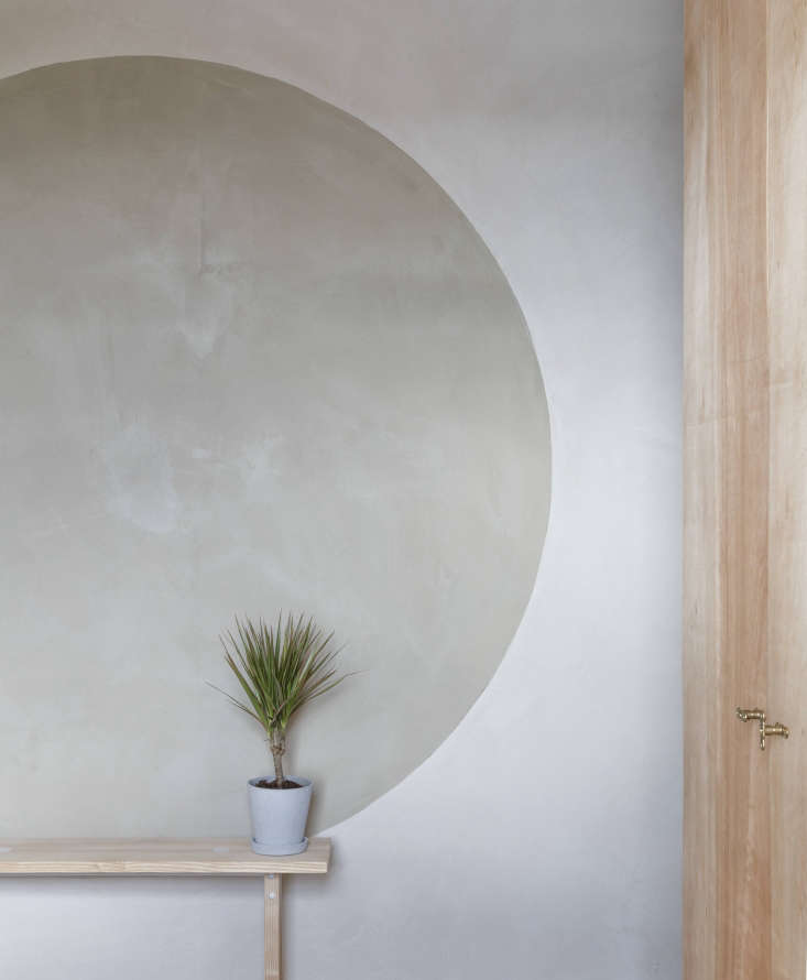 Architect Simon Astridge Clay House bedroom with Clayworks clay plaster wall. Nicholas Worley photo.