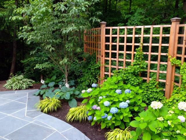 Декоративная решетка для вьющихся растений