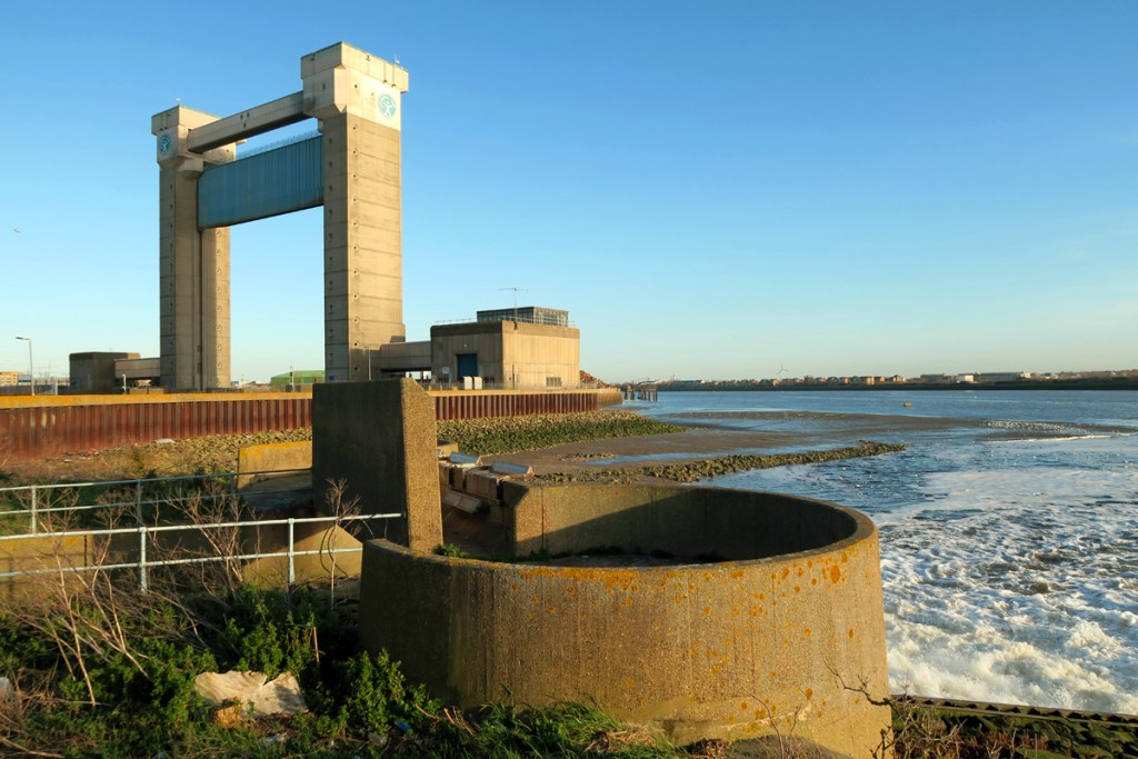 Barking Creek Barrier and the Beckton Sewage Treatment Works outfall.