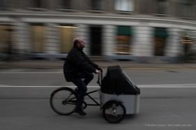Ciclista a Copenaghen, 2015 - Nikon D810, 24mm (24-70mm ƒ/2.8) 1/20sec ƒ/6.3 ISO 64