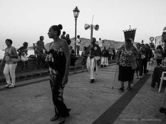 Procession for the celebration of St. Bartolomew. Salina, 27 agosto 2014 - Canon PawerShot G1 X, 18mm, 1/200 ƒ/5 ISO 800