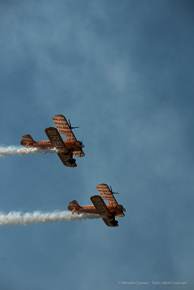 The Breitling Wingwalkers in action. Nikon D810, 135 mm (80-400.0 mm ƒ/4.5-5.6) 1/2000 sec ƒ/8 ISO 800