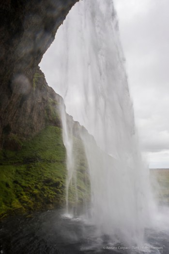 Seljalandsfoss is the first waterfall that we encountered in the water-rich south. Nikon D810, 24 mm (24.0 mm ƒ/1.4) 1/200 sec ƒ/8 ISO 400