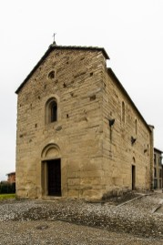 Garbagnate Monastero, Chiesa di S. Nazaro e S. Celso. Nikon 810, 20 mm (20.0 mm ƒ/1.8) 1/20 sec ƒ/8 ISO 64