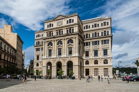 """Lonja del Comercio in Plaza San Francisco de Asis. Nikon D810, 120 mm (24-120.0 ƒ/4) 1/200"""" ƒ/22 ISO 800."""
