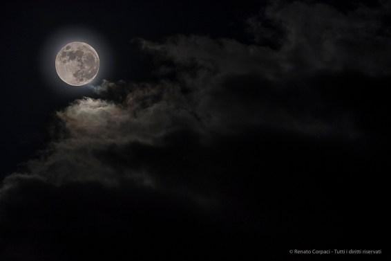 "The moon over the Vatnajökull lagoon. Nikon D750 (80-400.0 mm ƒ/4.5-5.6) 1/8"" ƒ/5 ISO 800, Some Photoshop retouching"