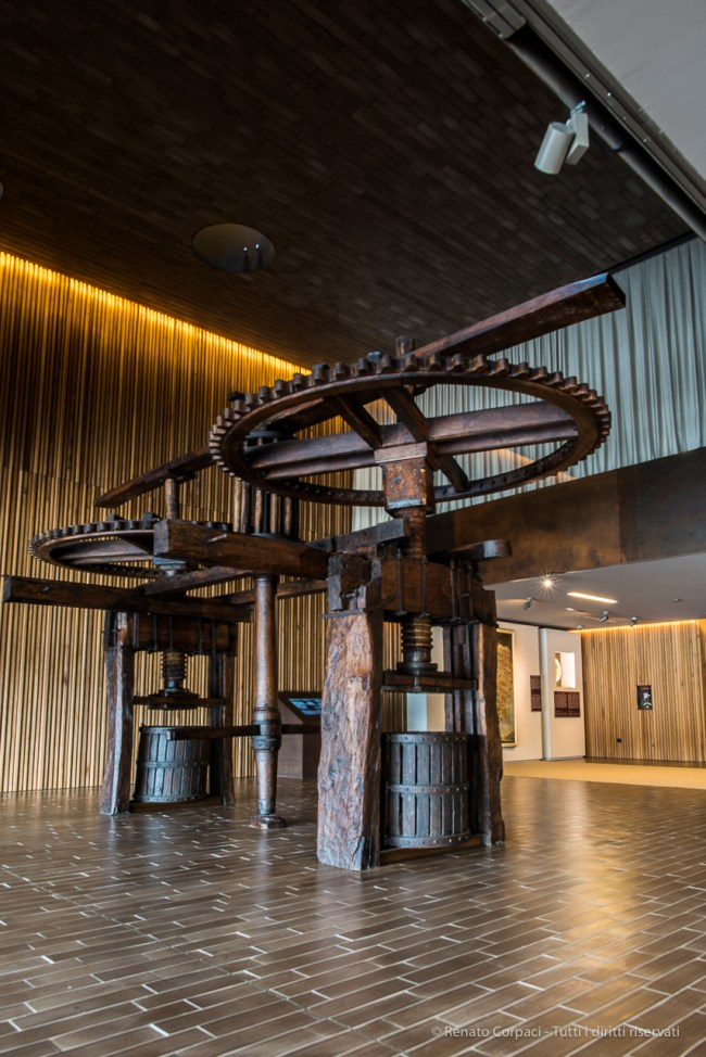 "The wine press exposed in the museum area. Nikon D810, 24 mm (24.0 mm ƒ/1.4) 1,3"" ƒ/8 ISO 64"