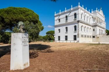 """El Rocío, Los Cabezudos, Palacio del Acebron, Parco di Doñana. Nikon D810, 24 mm (24.0 mm ƒ/1.4) 1/250"""" ƒ/8 ISO 64"""