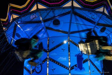 "Merry-go-round. Milano, Giardini Biblioteca degli Alberi, December 2016. Nikon D750, 46 mm (24-120 mm ƒ/4) 1/100"" ƒ/6.3 ISO 1600"