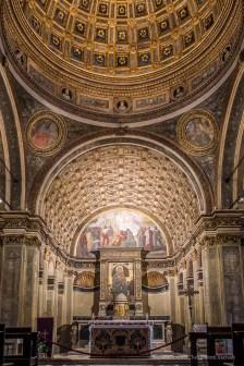 "Milano, chiesa di Santa Maria in San Satiro. XII century icon of Mary and apsis by Donato Bramante Nikon D750, 24 mm (24.0 mm ƒ/1.4) 0,4"" ƒ/4,5 ISO 100"