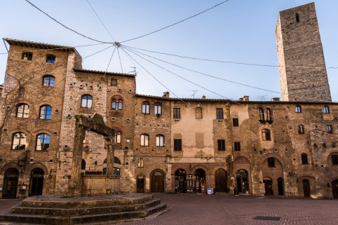 "San Gimignano, January 2017. Nikon D810, 20 mm ( 20.0 mm ƒ/1.8) 1/15"" ƒ/16 ISO 64"