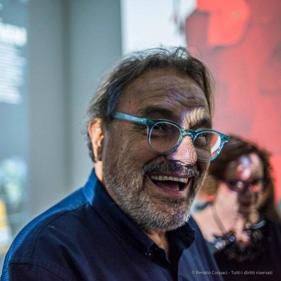 Oliviero Toscani, photographer. Chiasso, 0ctoer 2017. Nikon D810, 35 mm (35.0 mm ƒ/1.8) 1/80 ƒ/2 ISO 1100