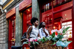 """The scent of a city. Two women passing in front of a parfum shop in Via Brera, during the Fashion Week. Milano, September 2018. Nikon D810, 24 mm (24-120 mm ƒ/4) 1/160"""" ƒ/8 ISO 3200"""