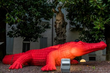 "Cracking Art , Crocodile Palazzo Anguissola Traversi. Milano Design Week, April 2018. Nikon D810, 35 mm (24-120 mm ƒ/4) 1/4"" ƒ/8 ISO 64"