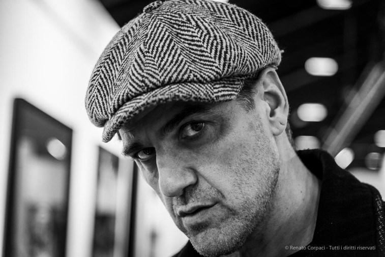 Davide Tinelli, artist. Milano 2019. Nikon D810, 85 mm (24-120 mm ƒ/4) 1/160 ƒ/4 ISO 1000