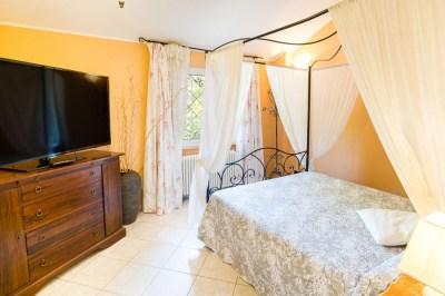 Camera da letto appartamento Diano Marina