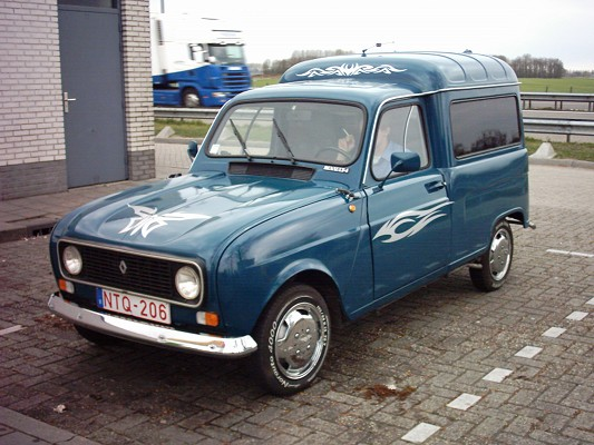 PP155 Peoples Pics Renault 4 Play
