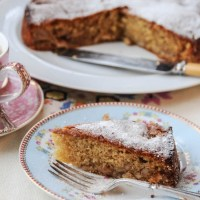 Hidden Apple, Cinnamon and Honey Cake