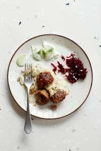 polish_meatballs_salad