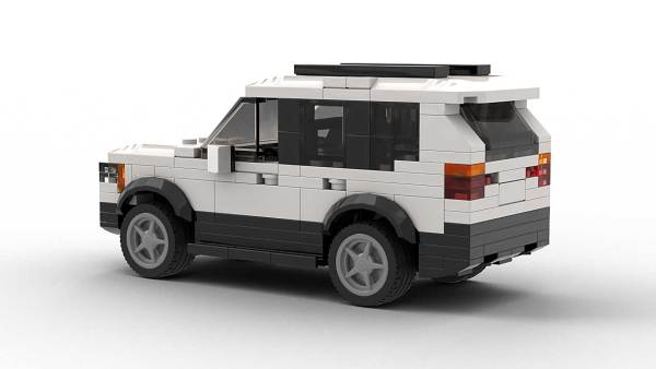LEGO BMW X3 05 model rear view