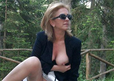 Femme Nue En Exterieur femme exhib cherche mec voyeur pour mater