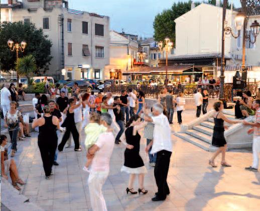 Salon de Provence summer ambience