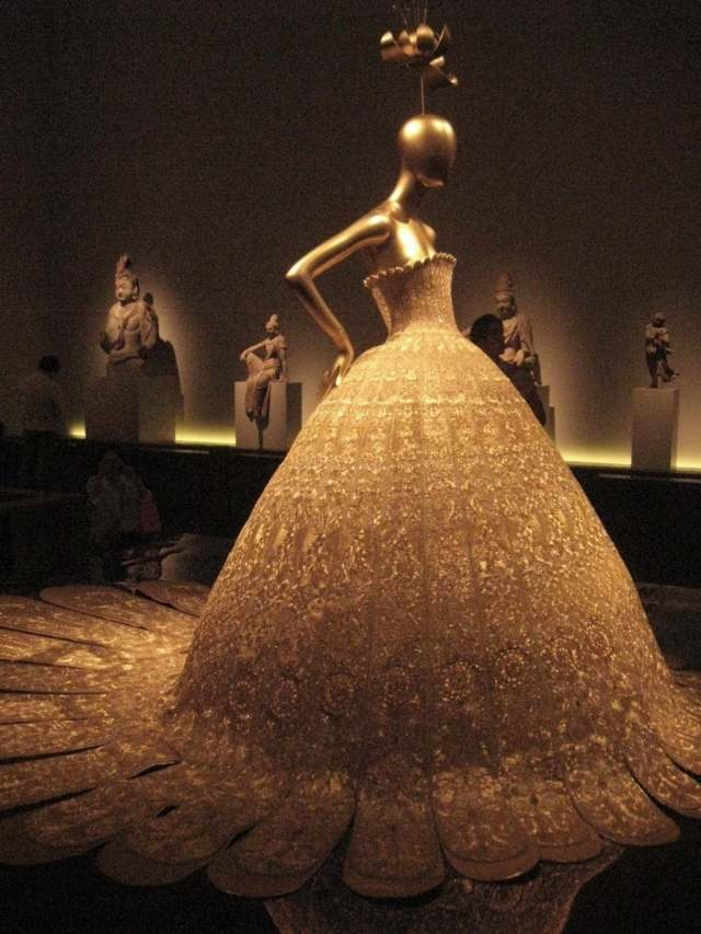 China: Through the Looking Glass , Guo Pei
