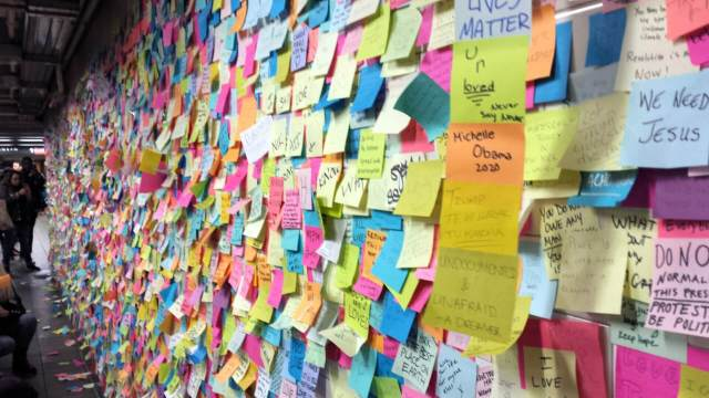 Subway Therapy Wall in NYC , Rendezvous En New York