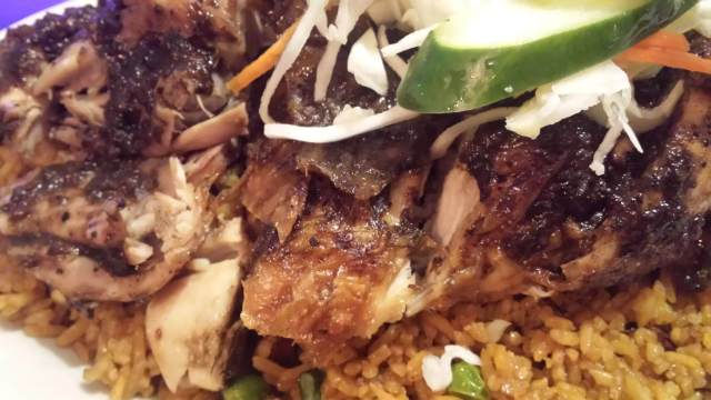 Jerk Chicken at the Nest, NYC , Rendezvous En New York