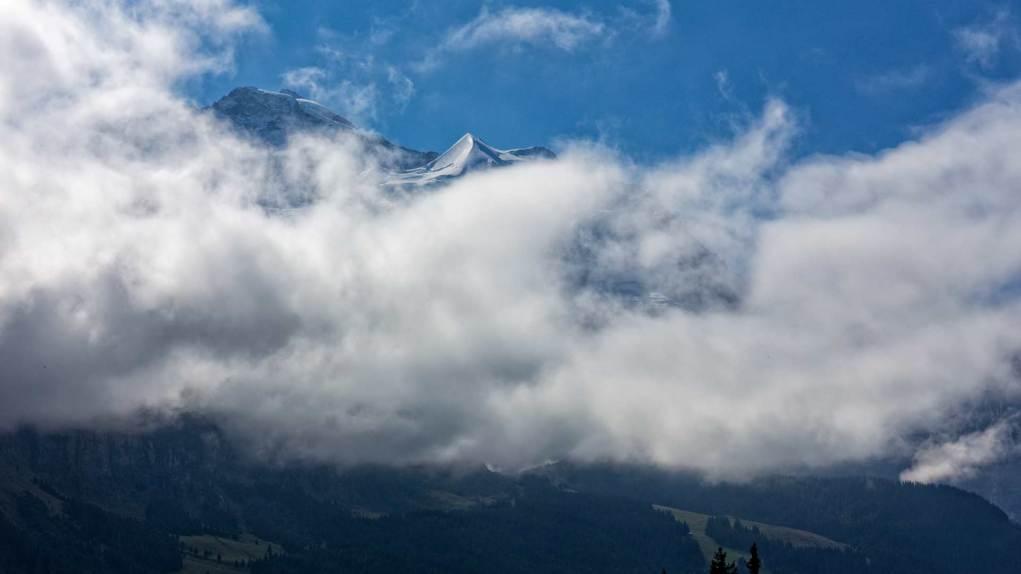 Die Jungfrau in den Wolken