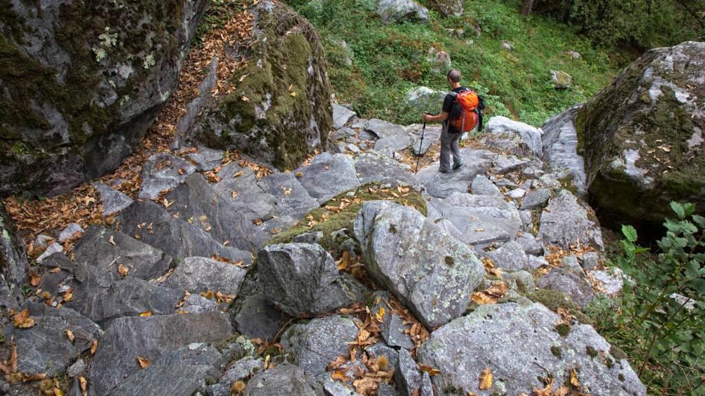 Wanderweg im Bavona Tal