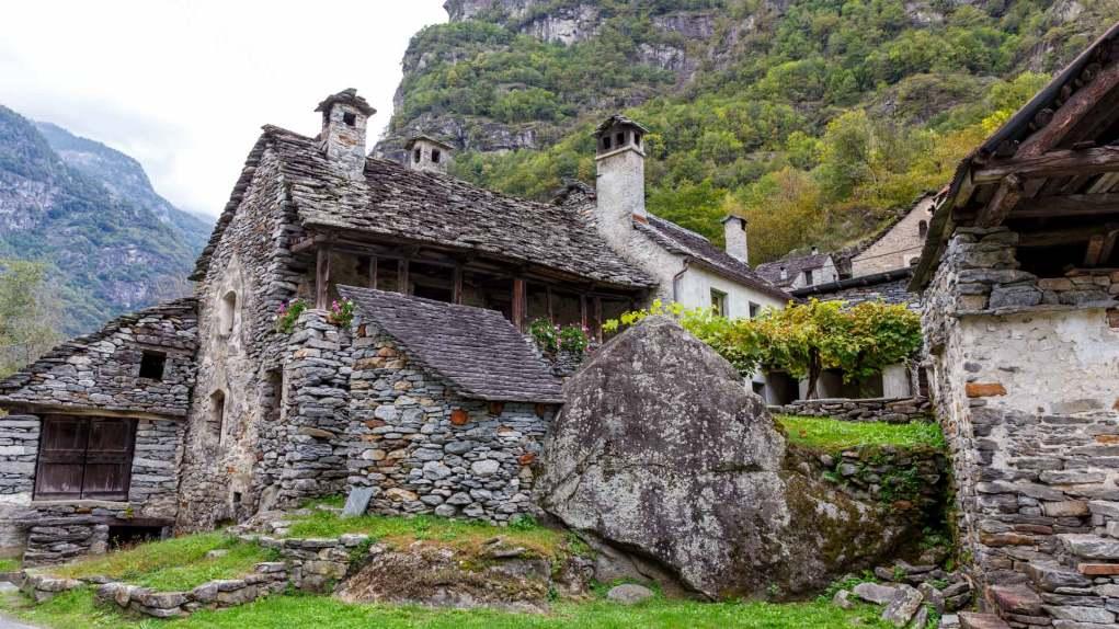 Wunderschöne alte Steinhäuser in Ritorto