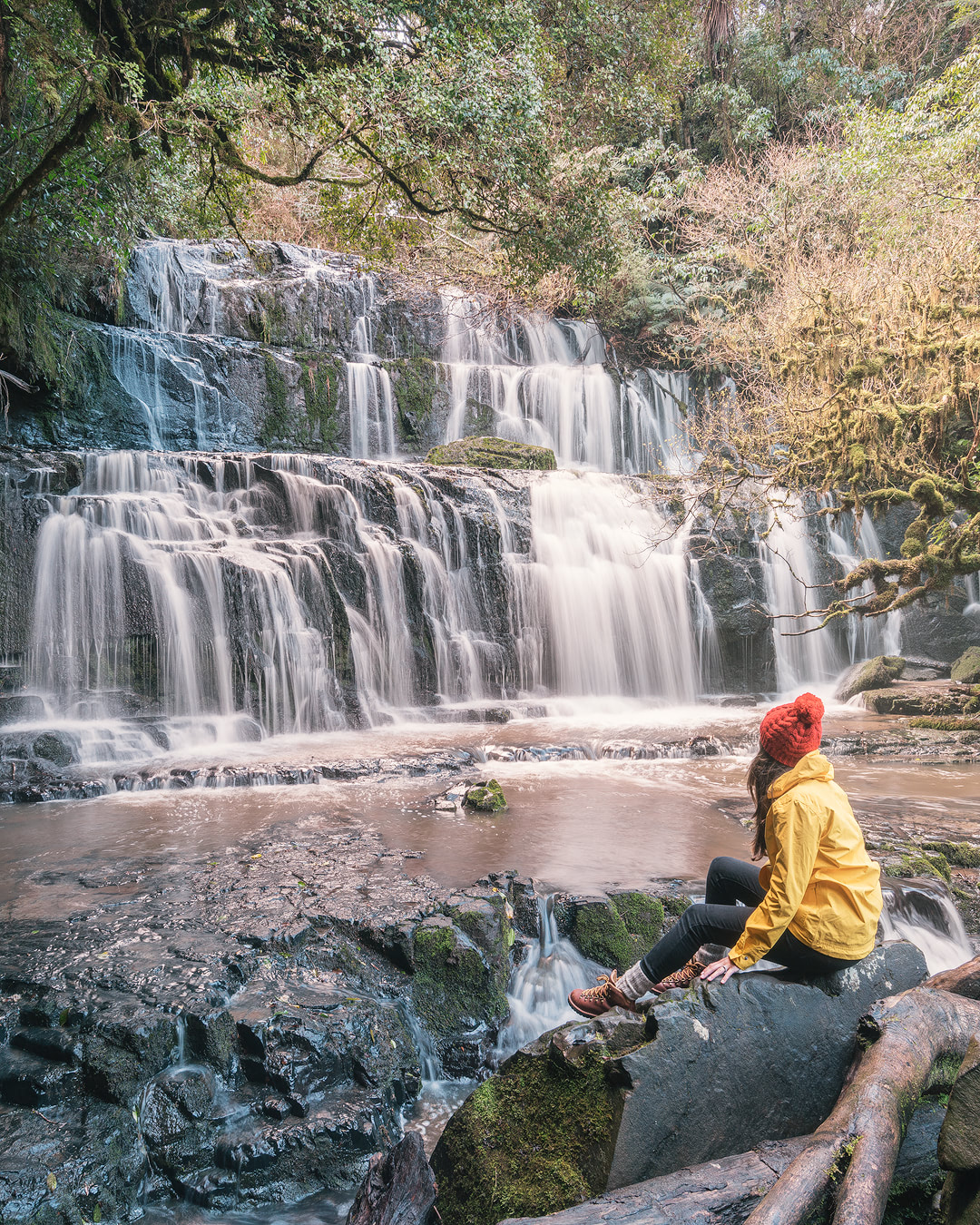 12 MUST SEE PLACES ON THE SOUTH ISLAND OF NEW ZEALAND - CATLINS COAST PUREKAUNUI FALLS