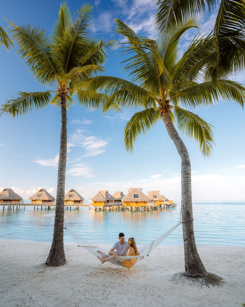 How To Take Stunning Travel Photos as a Couple - Renee Roaming - Bora Bora Tahiti