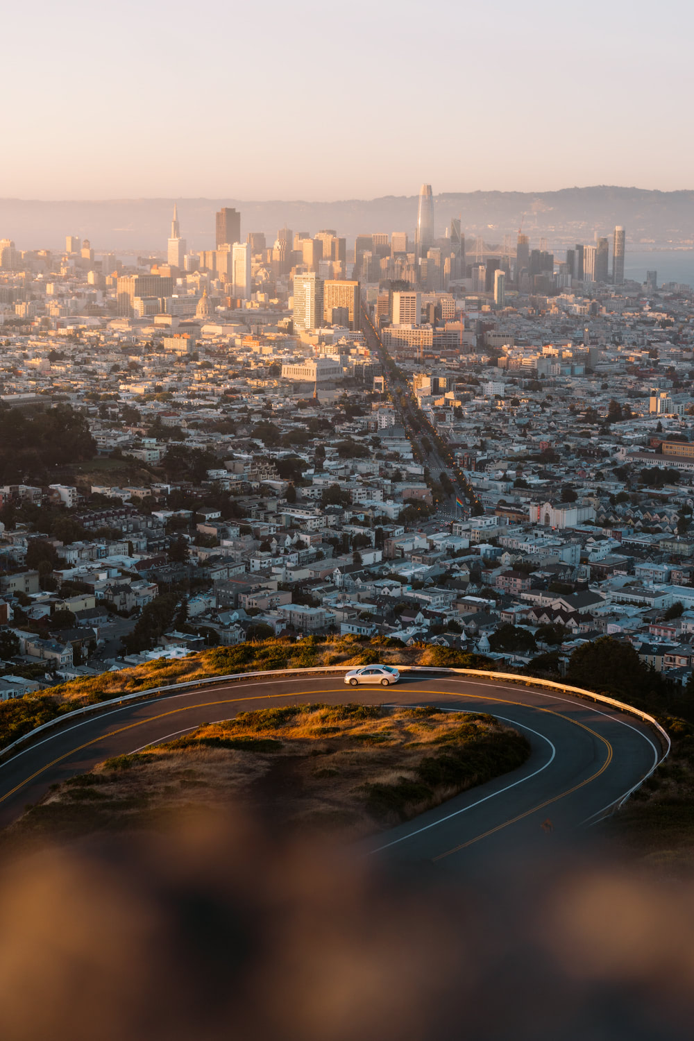 How-to-Spend-24-Hours-in-San-Francisco-Twin-Peaks-Sunset-04-Renee-Roaming