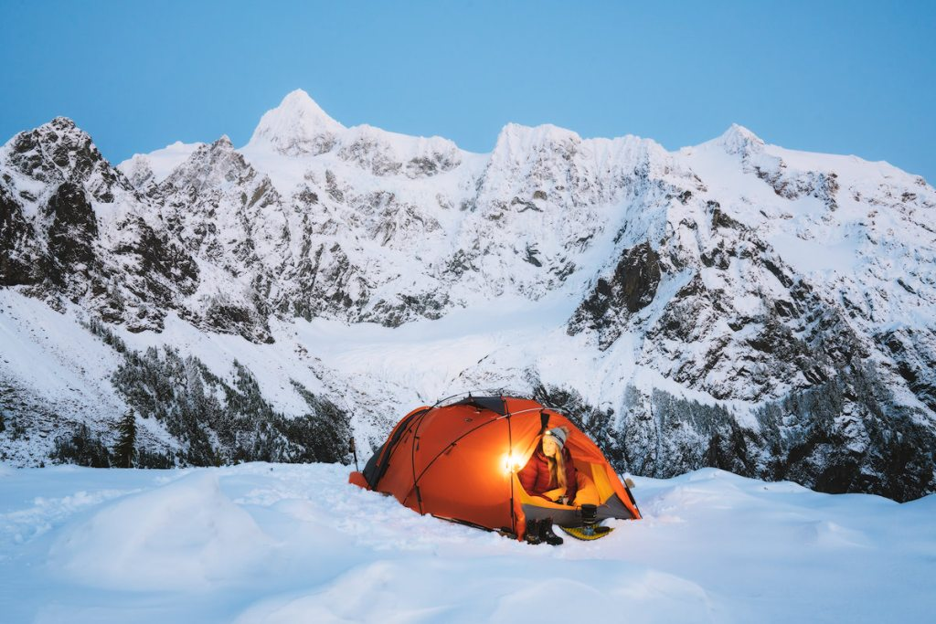 Ultimate Guide to Winter Hiking and Camping - responsible recreation